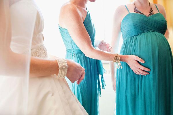 Resultado de imagem para madrinhas de casamento GRÁVIDAS