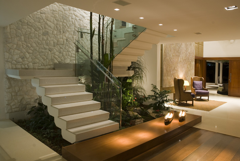 escada para o jardim:Paisagista dá dicas para montar um minijardim dentro de casa
