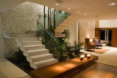 Plantas-de-jardim-embaixo-da-escada