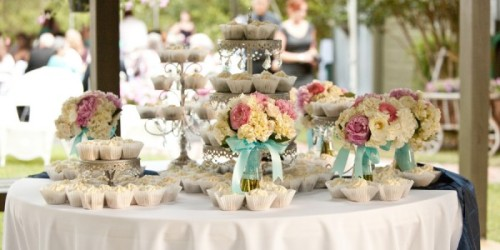 Pink-and-aqua-shabby-chic-wedding-600x300