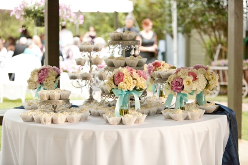 Pink-and-aqua-shabby-chic-wedding