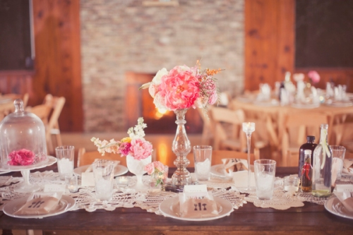 Pink-Shabby-Chic-Country-Wedding-Tablescape